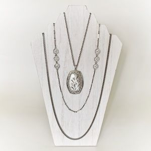 VTG Silver Toned Layered Etched Floral Necklace